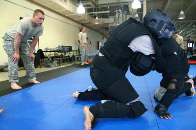 New York Army National Guard soldiers learn hand-to-hand combatives skills