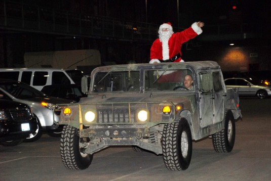 Santa arrives to visit Soldiers and Families in Jamaica, N.Y.