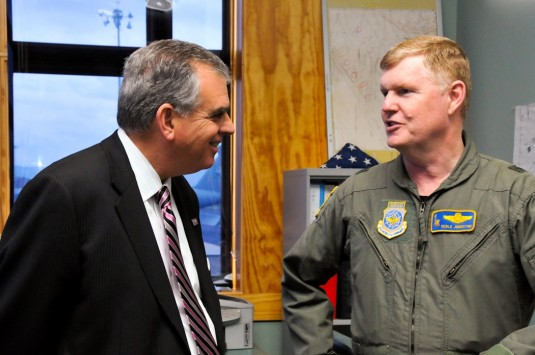 Transportation Secretary meets 105th Airlift Wing Commander Apr 9, 2010