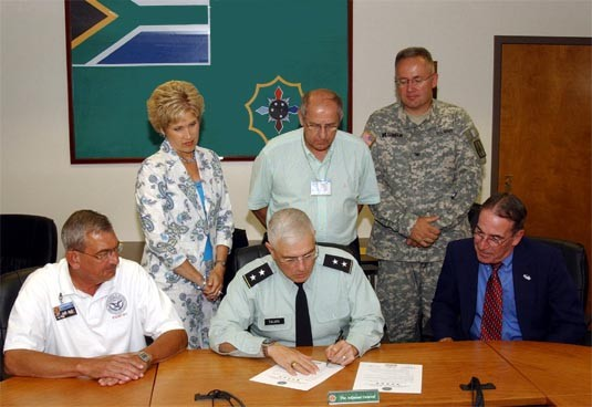 NY Adjutant General signs Five Star Statement of Support for the Guard and Reserve Jun 26, 2007