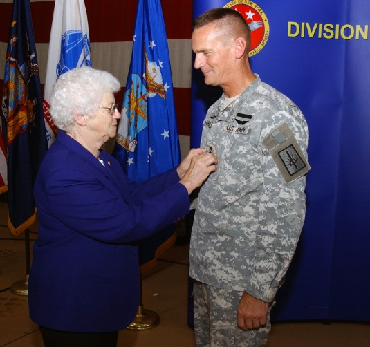 Major General Murphy gets rank pinned on