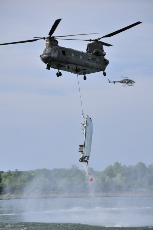 Army Guard CH-47 Gives Lift to Park Police Boat