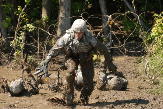 Guard Soldiers Get Down and Dirty