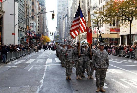 Soldiers at attention on Fifth Avenue.