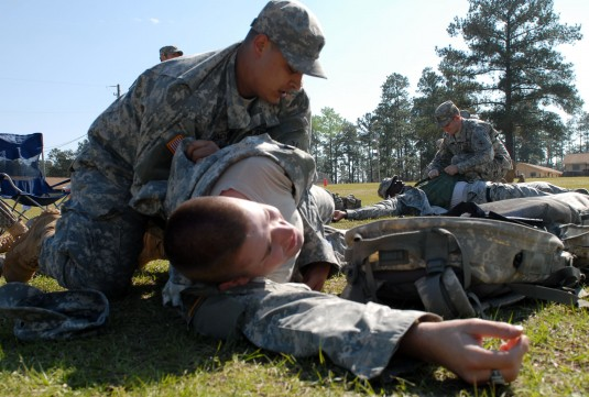 27th IBCT Soldiers Learn Combat Lifesaver Skills