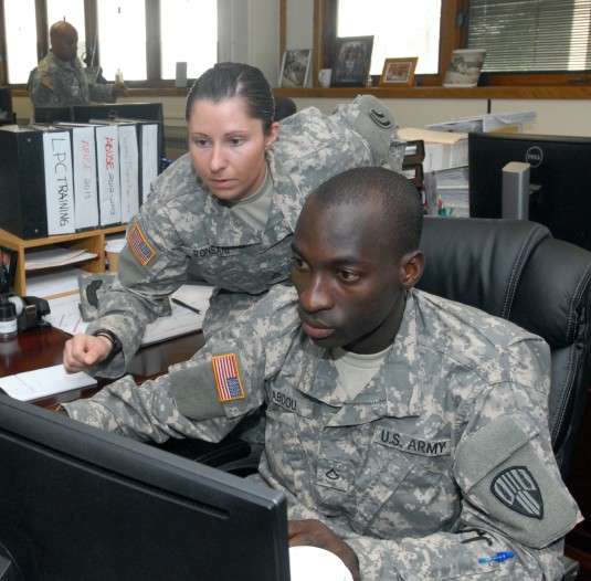 Finance Soldiers Train at Guard Headquarters