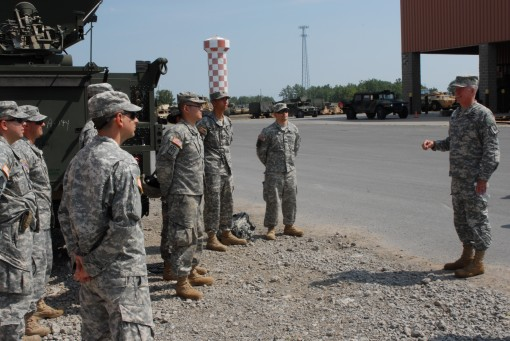 Signal Soldiers Train at Drum