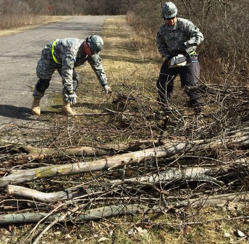 New York Guard volunteers train on chainsaw use
