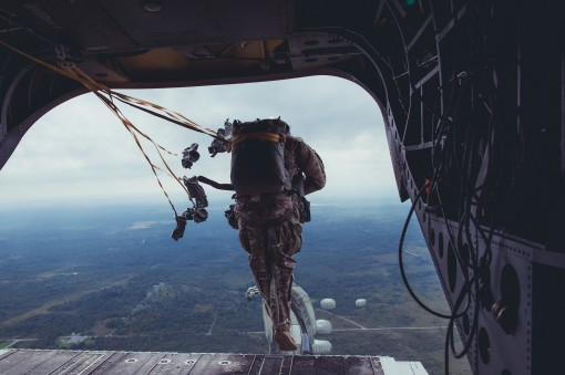 Airmen jump from Army Guard CH-47 at Fort Drum