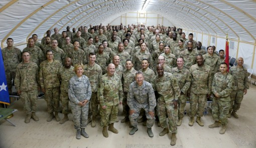 Leaders visit 101st Signal Battalion in Kuwait
