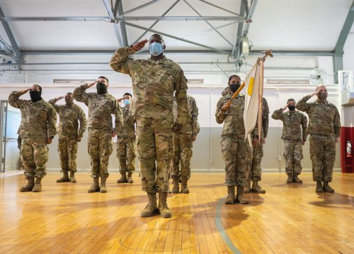 7th Finance Detachment Soldiers Salute new boss