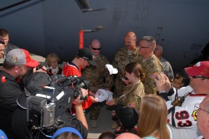 Troops See Stanley Cup at Niagara Falls air base