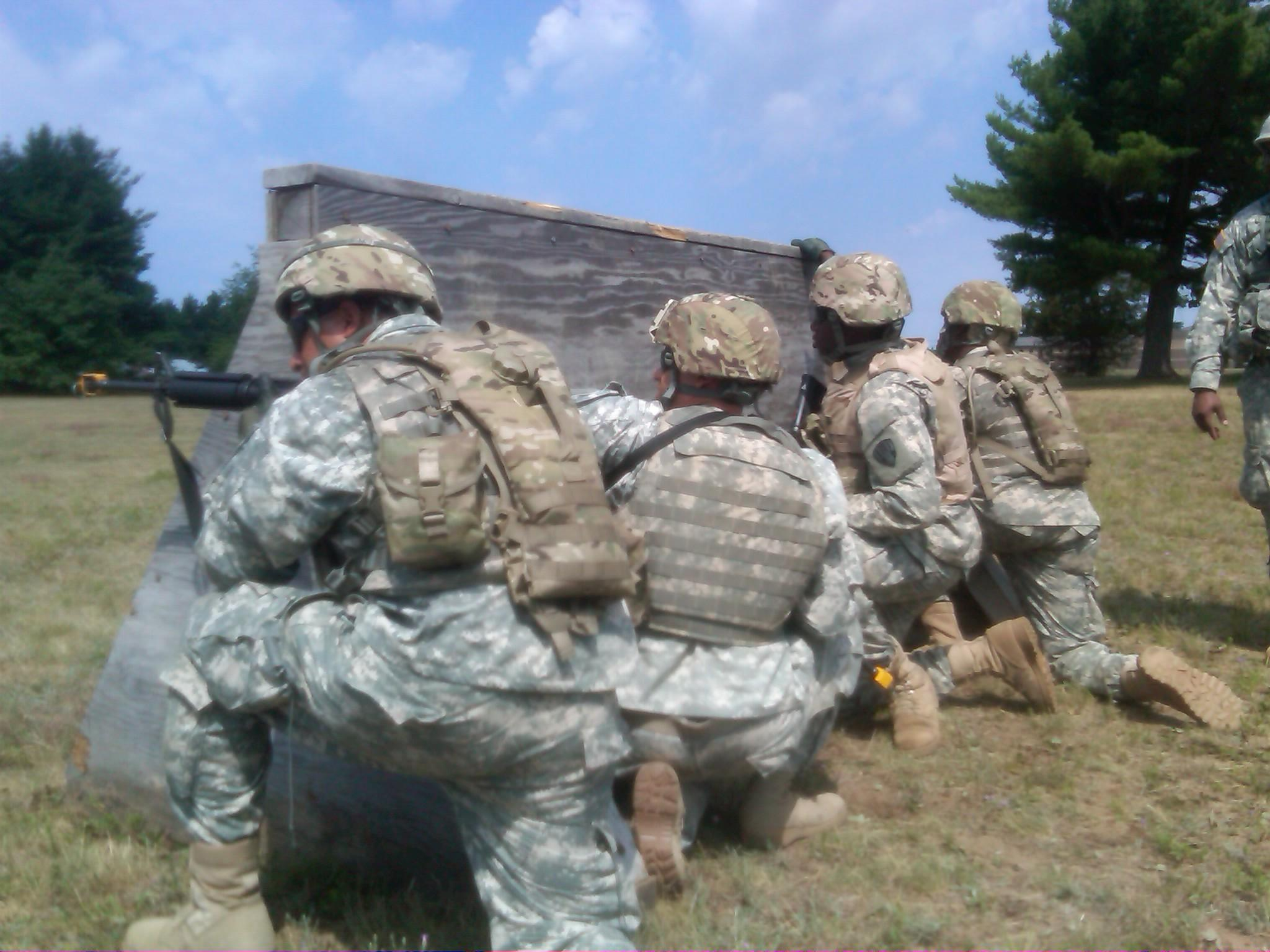 101st Expeditionary Signal Battalion Soldiers Train for Deployment at Fort Drum