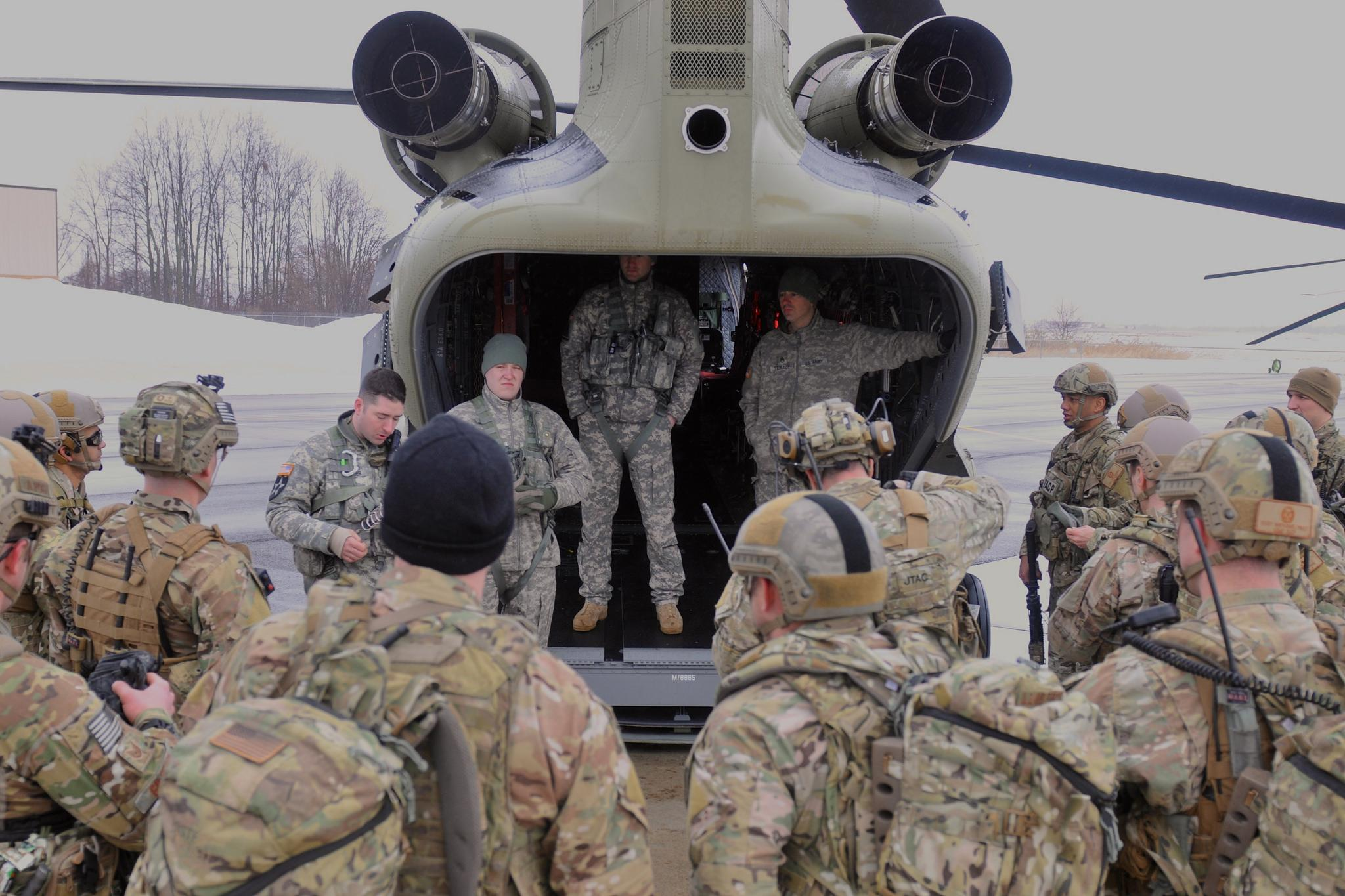 Army Guard Aviators and Air Guard JTACs Train Together at Fort Drum